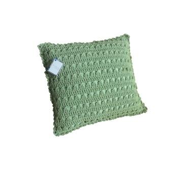 """Almofada verde de crochê """"Tranças"""""""
