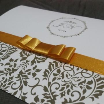 convite casamento brasão fita cetim