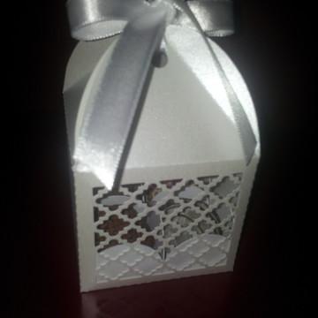 Caixinha para doces e bem casados