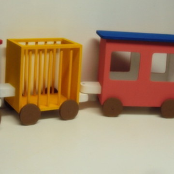 Trem de madeira decoração de festas