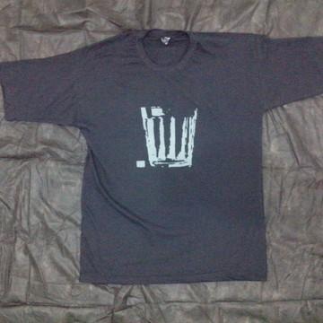 Camiseta estampa copo de bar