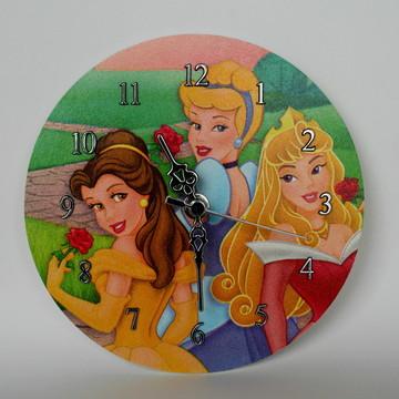 Relógio em mdf princesas