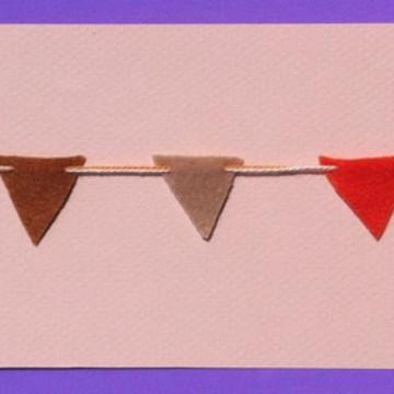 Mini bandeirolas de feltro