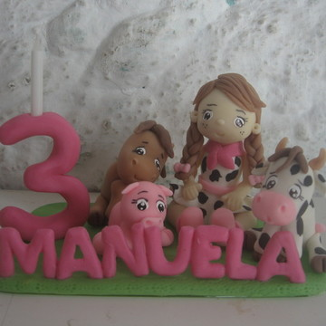 topo de bolo fazendinha menina