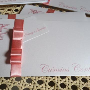 Convite de formatura metalizado perolado