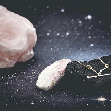 Colar Constelação Touro Ouro