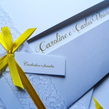 Convite Renda Branco e amarelo