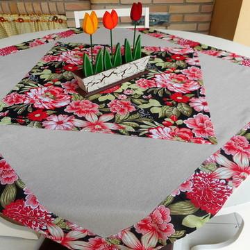 Toalha de mesa com barrado