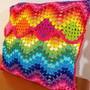 Almofada-rainbow-ripple-em-crochet-capa-de-almofada