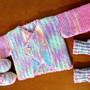 Casaquinho-sapatinho-e-meia-de-bebe-sapatinho-de-bebe-em-tricot