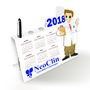 Calendario-porta-caneta-profissao-medico-arquivo-de-corte