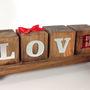 Bloquihos-de-madeira-love-arranjo-de-mesa