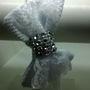 Tiara-branca-com-laco-de-tecido-pique-e-renda-acessorio-para-cabelo
