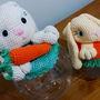 Bomboniere-e-baleiro-coelha-e-filhote-em-crochet-bomboniere-e-baleiro-coelha-e-filhote-em-crochet