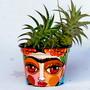 Frida-kahlo-vaso-medio