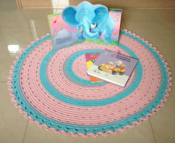 tapete de croche redondo rosa e azul baby gabrielly no elo7 ateli vera peixoto 670477. Black Bedroom Furniture Sets. Home Design Ideas