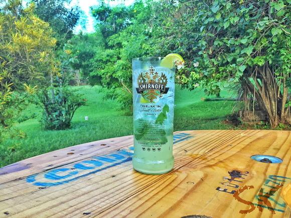 Super copo de garrafa smirnoff black no elo7 sk eco for Super copo