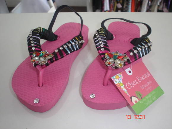 chinelo bordado infantil