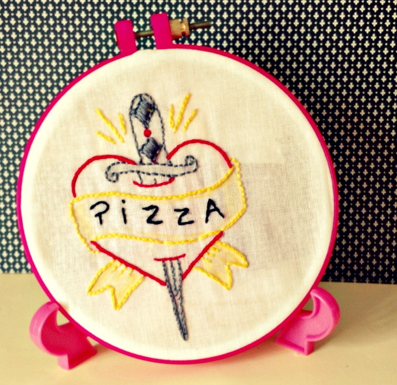 Quadro Bordado Love Pizza