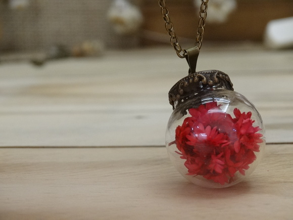 Colar Red Flower Dome