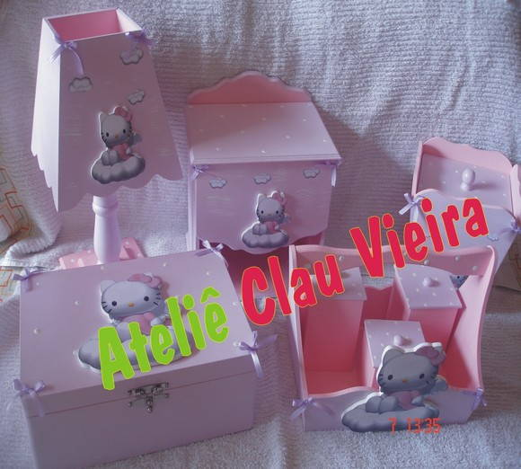 KIT HIGIENE + ENF. DE PORTA HELLO KITTY