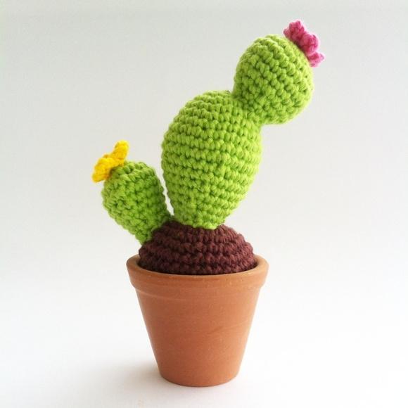 Cactus Amigurumi com vasinho de cer?mica Mar?lia Melo ...