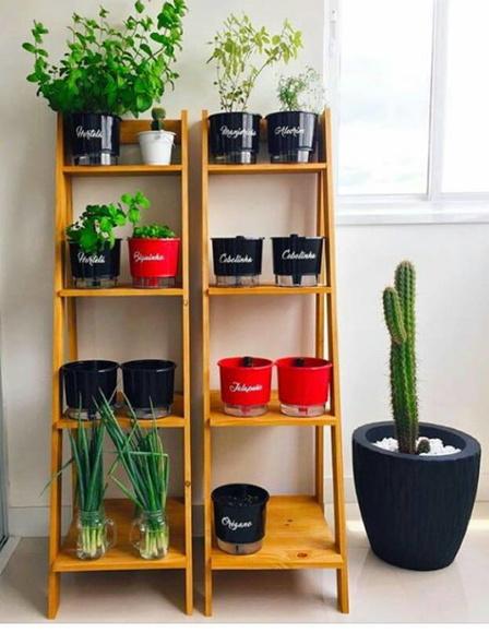 Estante para plantas e jardinagem ilinski artes de for Estantes para plantas exteriores