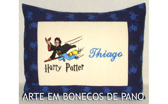 ALMOFADA BORDADA HARRY POTTER HOGWARTS