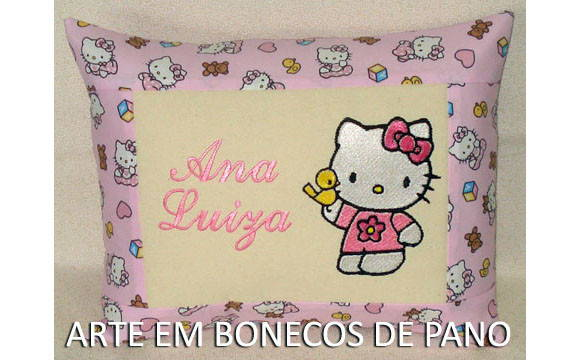 ALMOFADA BORDADA HELLO KITTY