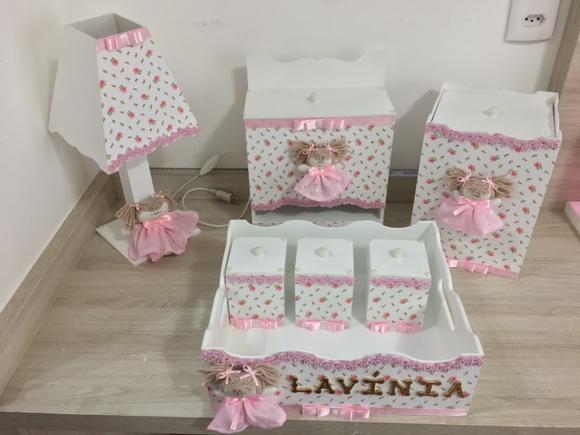 Kit higiene beb u00ea mdf decorado boneca Maison Nascimento Elo7 -> Como Pintar E Decorar Kit Higiene Para Bebe Em Mdf