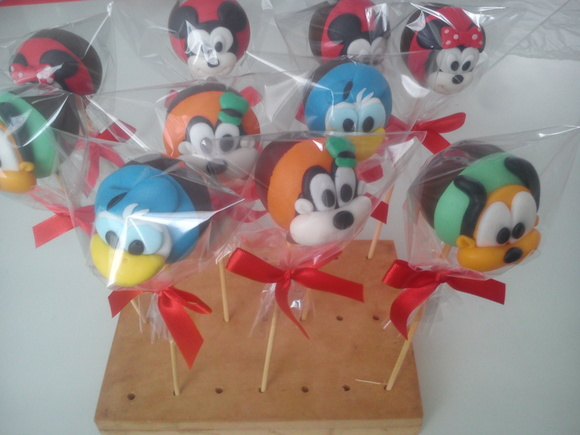 "Popcakes ""Turma do Mickey"""