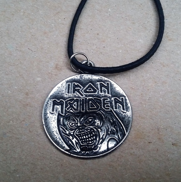 Colar de Metal - Iron Maiden