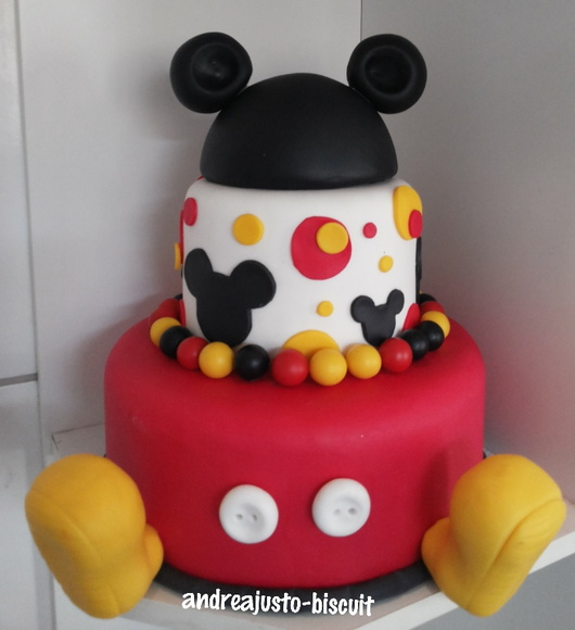 BOLO DO MICKEY DE BISCUIT