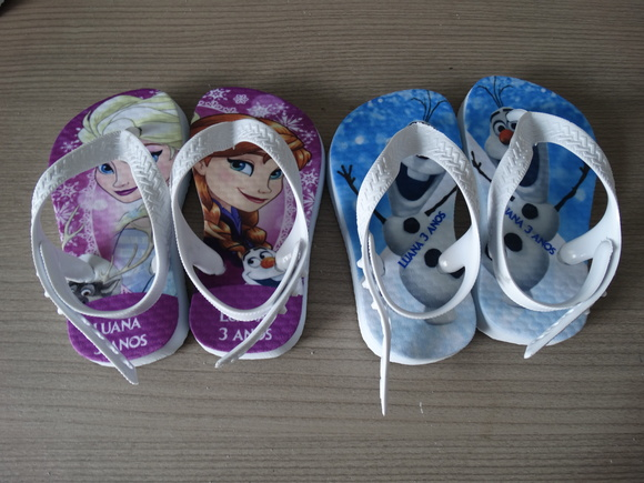 Chinelo Frozen