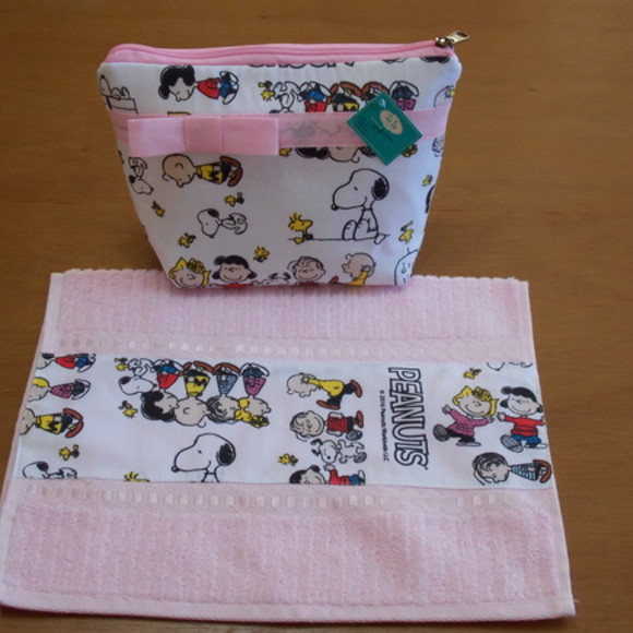 Kit Escolar Necessarie/Toalhinha Snoopy