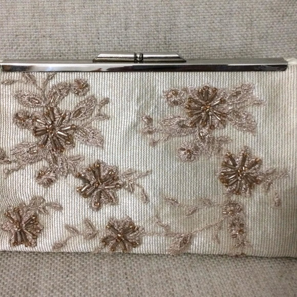 Bolsa Clutch renda bordada