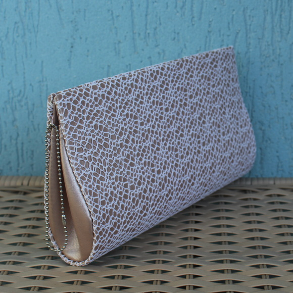 Clutch Nude e Renda