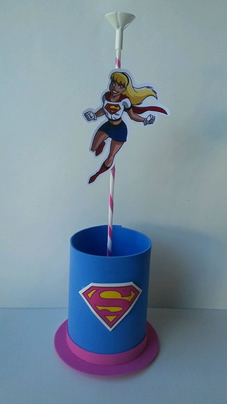 ENFEITE DE MESA SUPER GIRL