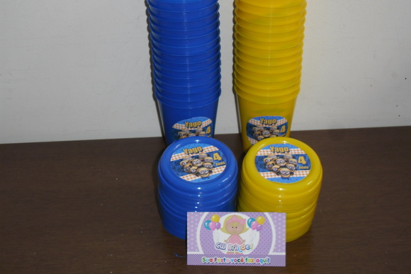 Copinhos 200ml Com tampa minions