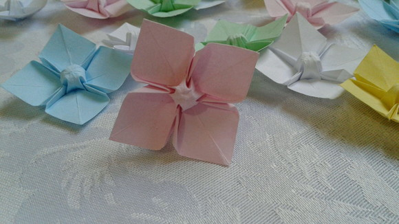 20 Flores de Origami - Dogwood Flower rs