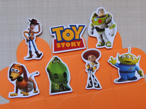 cod 5208 - 100 Forminhas Toy Story