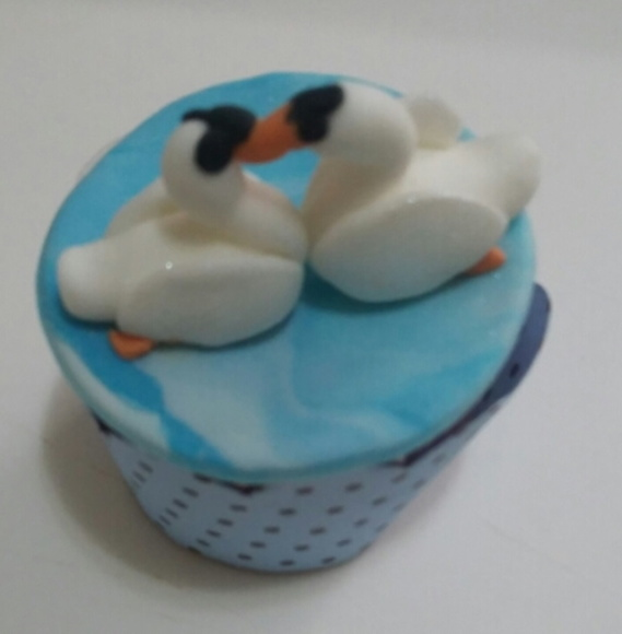 Mini cupcake lago do cisne