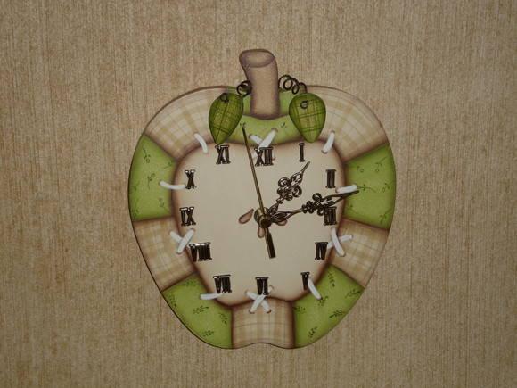 bec254fc4b6 Relógio de parede - Maçã Verde no Elo7
