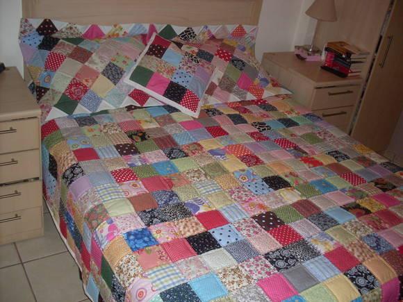 Colcha patchwork sortido casal k em kasa elo7 - Patrones para colchas de patchwork ...