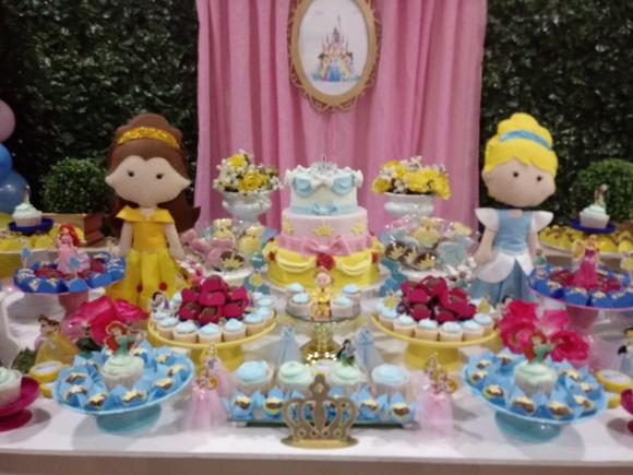 Decoraç u00e3o princesas disney + bolo + doces no Elo7 Atelier Mirucha Flore Cake designer (ABF688)