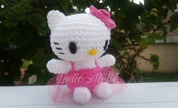Hello Kitty Amigurumi