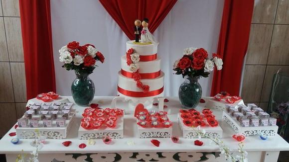 Decoraç u00e3o Noivado Casamento no Elo7 susana tortorella (B4A874) -> Decoração De Casamento Simples Com Tnt Vermelho E Branco