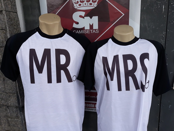 Kit 2 Camisetas Casal Namorados - Mr. e Mrs.