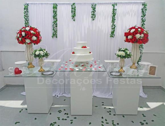 Aluguel Decoraç u00e3o Casamento Mesa Bolo Vidro Vermelho Branco no Elo7 Adornar Decorações Para  -> Decoração De Mesa Do Bolo Para Casamento Simples