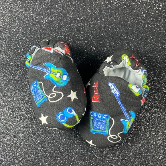 605741ab0a4ac0 Sapato Pantufa Infantil Rock   Elo7